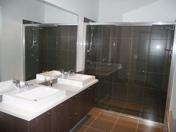 EDA-HOMES-Bathroom-12